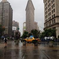 รูปภาพถ่ายที่ Madison Square Park โดย Brett J. เมื่อ 7/3/2013