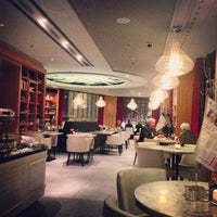 Das Foto wurde bei Romanisches Café von Yulia L. am 10/10/2013 aufgenommen