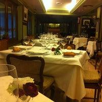 Foto tomada en Restaurante Victor por Xavier B. el 1/11/2013