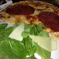 Foto tomada en Miss Pizza por Gonul B. el 3/13/2013