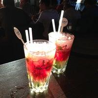 Photo prise au Noa Resto-Lounge-Bar par Wira L. le9/6/2013