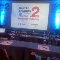 Foto diambil di Hilton Istanbul Convention & Exhibition Center oleh Mustafa S. pada 11/9/2012