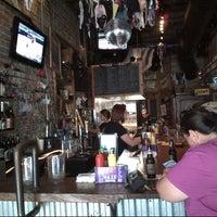 6/2/2013 tarihinde Phill V.ziyaretçi tarafından Jack Brown's Beer & Burger Joint'de çekilen fotoğraf