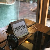 Foto tomada en Cafe De Papel por Eyüp S. el 7/25/2018