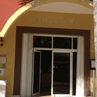 รูปภาพถ่ายที่ La Hacienda โดย Angelika I. เมื่อ 11/2/2012