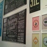 Foto tomada en Art Directors Club por Jasmine W. el 10/27/2011