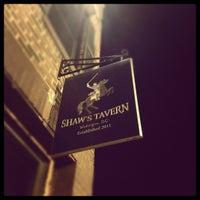 Foto diambil di Shaw's Tavern oleh Aaron B. pada 3/8/2012