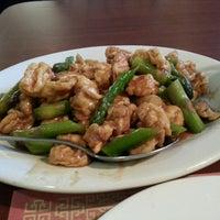 Foto tomada en Mr. Chen's Organic Chinese Cuisine por Natalie el 9/26/2013