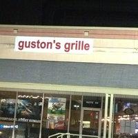 Снимок сделан в Guston's Grille - Kennesaw пользователем Jeff R. 1/25/2013