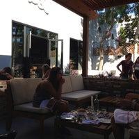 รูปภาพถ่ายที่ SP² Communal Bar + Restaurant โดย WineWalkabout with Kiwi and Koala เมื่อ 8/13/2013