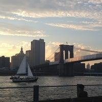 6/29/2013 tarihinde Elea B.ziyaretçi tarafından Brooklyn Bridge Park'de çekilen fotoğraf