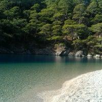 Das Foto wurde bei Ölüdeniz Sahil von 👾SmL🤖 am 11/6/2012 aufgenommen