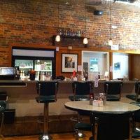 Das Foto wurde bei Elmo's Diner von César am 10/27/2012 aufgenommen