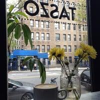 Снимок сделан в Taszo Espresso Bar пользователем Cassie K. 5/4/2014