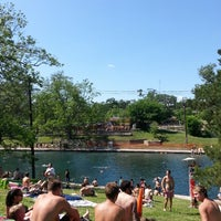 Photo prise au Barton Springs Pool par George le4/28/2013