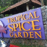 Photo prise au Tropical Spice Garden par Lwelu _. le2/15/2013