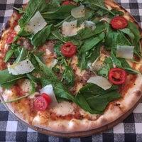 11/19/2016 tarihinde Kivanc S.ziyaretçi tarafından Double Zero Pizzeria'de çekilen fotoğraf