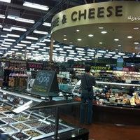 Das Foto wurde bei Whole Foods Market von Raul S. am 10/12/2012 aufgenommen