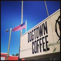 รูปภาพถ่ายที่ Dogtown Coffee โดย Assaf R. เมื่อ 12/28/2012