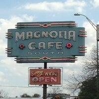3/30/2013にJoel A.がMagnolia Cafe Southで撮った写真