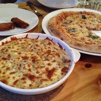 Das Foto wurde bei Paradiso Pizza and Coffee von Jaehyun L. am 10/19/2013 aufgenommen