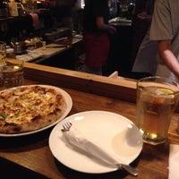 Das Foto wurde bei Paradiso Pizza and Coffee von Jaehyun L. am 10/15/2013 aufgenommen