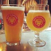 Foto tirada no(a) West Flanders Brewing Company por Robin H. em 9/2/2013