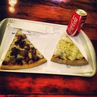 Foto diambil di O Pedaço da Pizza oleh Eduardo D. pada 11/22/2012