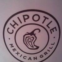 Foto tomada en Chipotle Mexican Grill por Burton C. el 11/5/2012