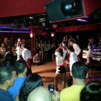 Foto diambil di Club Cache oleh Rafael N. C. pada 8/3/2013