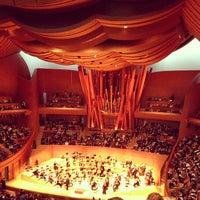Foto scattata a Walt Disney Concert Hall da Holly H. il 12/16/2012