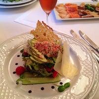 9/20/2013 tarihinde Kate K.ziyaretçi tarafından Staro Hotel'de çekilen fotoğraf
