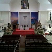 Foto diambil di Gereja Katolik Santa Theresia oleh Fransiska E. pada 12/23/2015