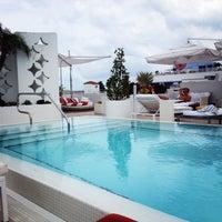 Photo prise au Highbar - Pool·Bar·Sky par Катарина le5/26/2013