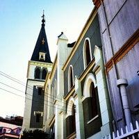 Foto tomada en Iglesia Luterana de La Santa Cruz en Valparaíso por Rubén M. el 3/8/2013