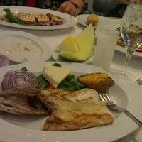 Photo prise au Foça Fish Gourmet par Koray K. le12/15/2012