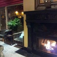 Photo prise au Hotel Carlton par Truth K. le12/29/2012