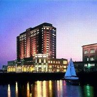 Foto scattata a Seaport Hotel & World Trade Center da Tavenner B. il 12/7/2012