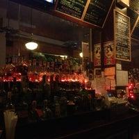 Foto diambil di d.b.a. Brooklyn oleh René G. pada 2/28/2013