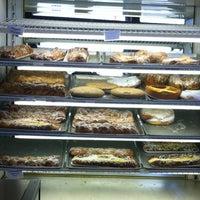 Снимок сделан в Weber's Bakery пользователем Ernest 4/26/2013