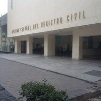 Foto tirada no(a) Registro Civil por Jorge A. em 2/21/2014