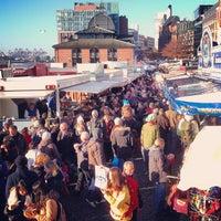 Das Foto wurde bei Hamburger Fischmarkt von Rolf B. am 10/28/2012 aufgenommen