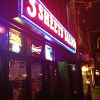รูปภาพถ่ายที่ 3 Sheets Saloon โดย Marlin_Ramlal เมื่อ 1/31/2013