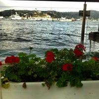 11/11/2012 tarihinde 🎀Selin🎀ziyaretçi tarafından Divan Brasserie Bebek'de çekilen fotoğraf