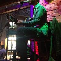 10/13/2012 tarihinde Begüm G. E.ziyaretçi tarafından Beer House'de çekilen fotoğraf