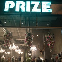 รูปภาพถ่ายที่ PRIZE: An Urban Department Store โดย Dan the Man เมื่อ 12/15/2012