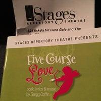 Foto tomada en Stages Repertory Theater por Cooper K. el 4/13/2017