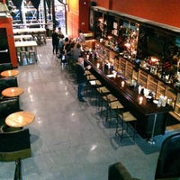 รูปภาพถ่ายที่ The SKINnY Bar & Lounge โดย The SKINnY Bar & Lounge เมื่อ 8/25/2014