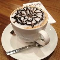 2/10/2013에 Hülya 💰💵 S.님이 KA'hve Café & Restaurant에서 찍은 사진