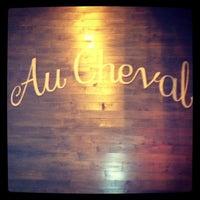 Снимок сделан в Au Cheval пользователем Missanniemae 12/12/2012